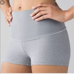Lululemon boogie shorts (Roll down) size0